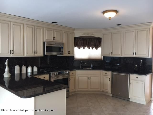 Single Family - Semi-Attached 1041 Rensselaer Avenue  Staten Island, NY 10309, MLS-1117475-4