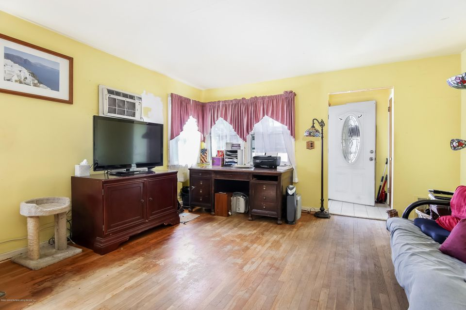 Single Family - Semi-Attached 43 Raymond Avenue  Staten Island, NY 10314, MLS-1117560-4