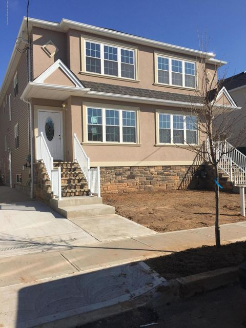 Additional photo for property listing at 41 Jade Court  Staten Island, New York 10309 United States