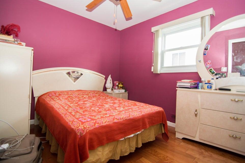 Single Family - Detached 417 Gansevoort Boulevard  Staten Island, NY 10314, MLS-1117668-13