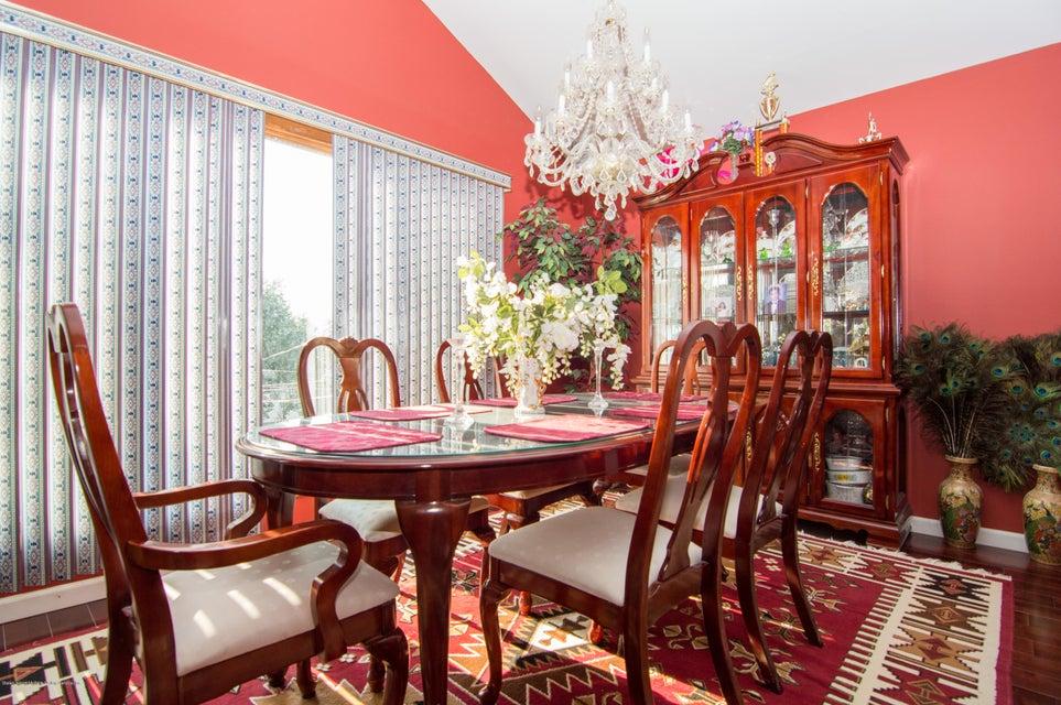 Single Family - Detached 417 Gansevoort Boulevard  Staten Island, NY 10314, MLS-1117668-6