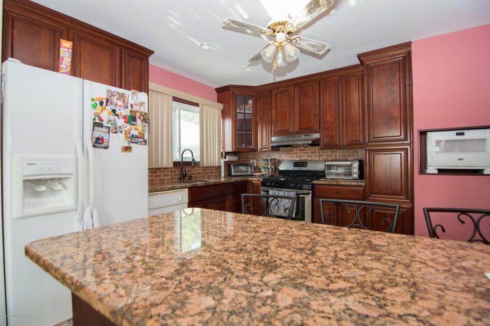 Single Family - Detached 417 Gansevoort Boulevard  Staten Island, NY 10314, MLS-1117668-7