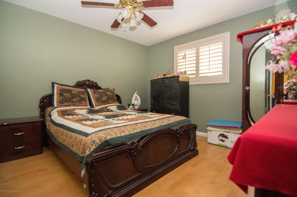 Single Family - Detached 417 Gansevoort Boulevard  Staten Island, NY 10314, MLS-1117668-16