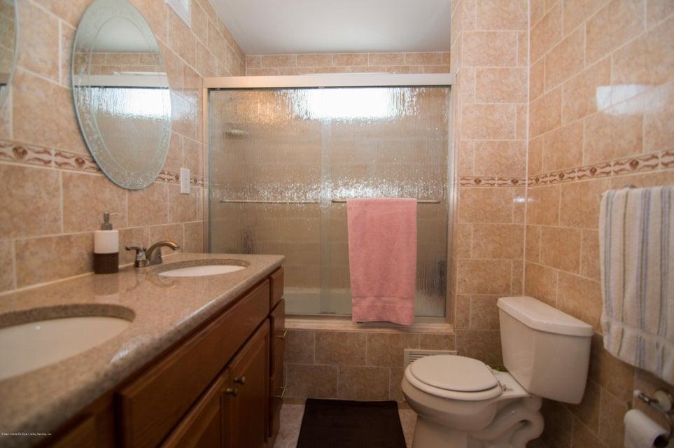 Single Family - Detached 417 Gansevoort Boulevard  Staten Island, NY 10314, MLS-1117668-12