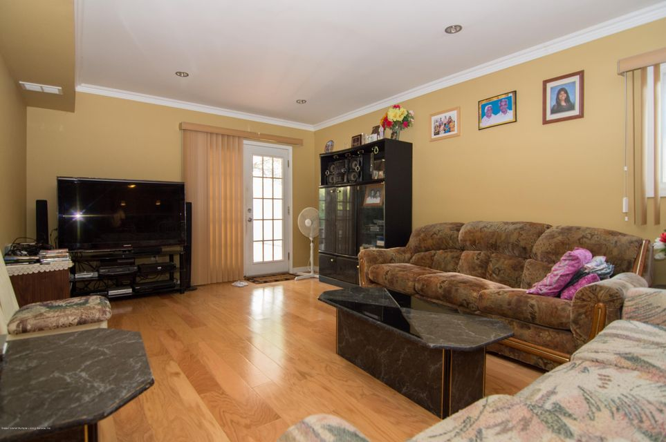 Single Family - Detached 417 Gansevoort Boulevard  Staten Island, NY 10314, MLS-1117668-18
