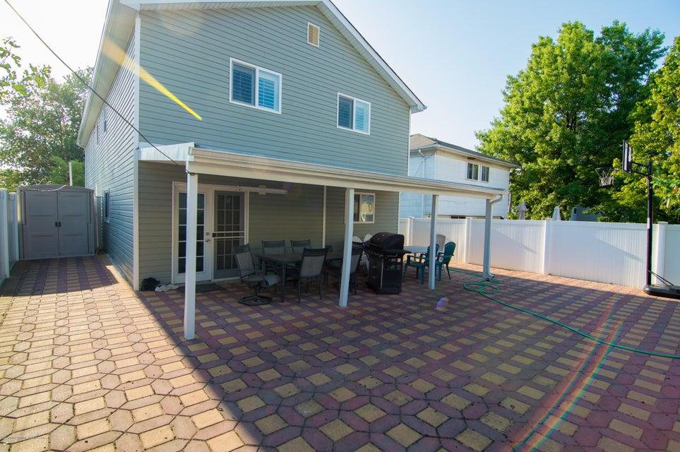 Single Family - Detached 417 Gansevoort Boulevard  Staten Island, NY 10314, MLS-1117668-20