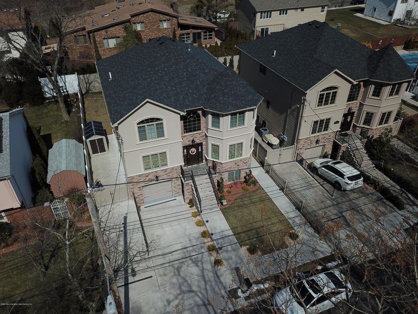 Two Family - Detached 135 Mcbaine Avenue  Staten Island, NY 10309, MLS-1117551-2