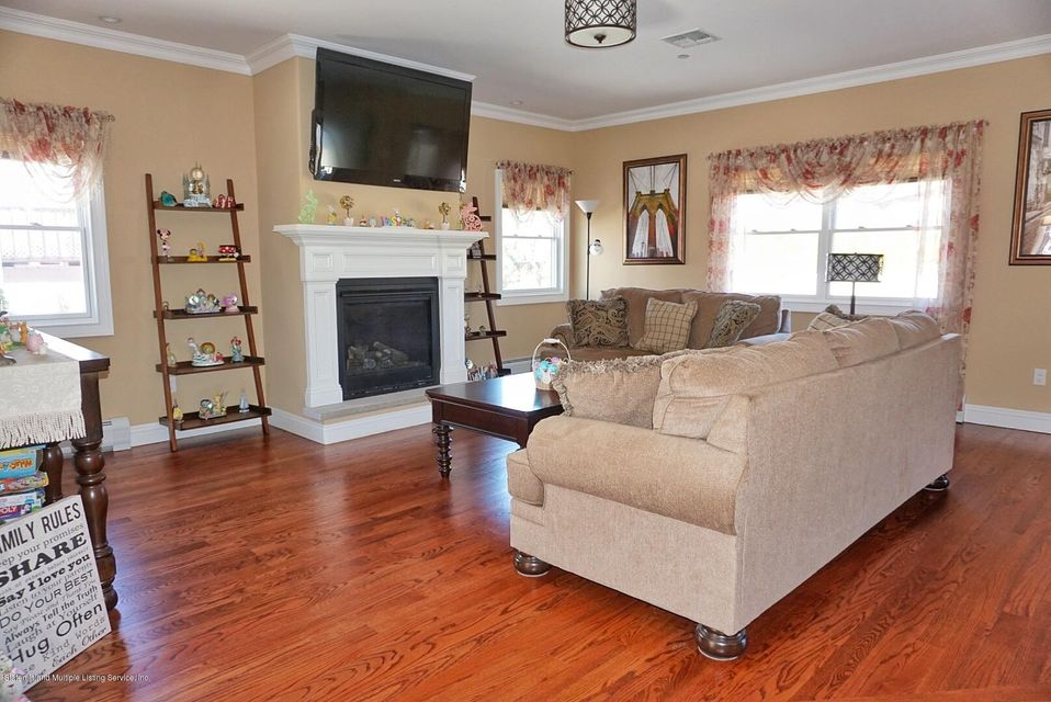 Two Family - Detached 135 Mcbaine Avenue  Staten Island, NY 10309, MLS-1117551-13