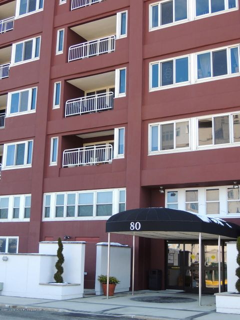 Condo in St. George - 80 Bay Street Landing 8-c  Staten Island, NY 10301