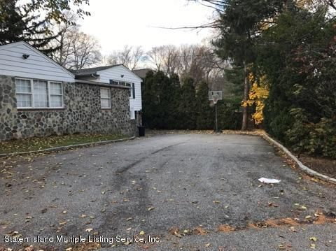 Single Family - Detached 105 East Loop Road  Staten Island, NY 10304, MLS-1117748-3