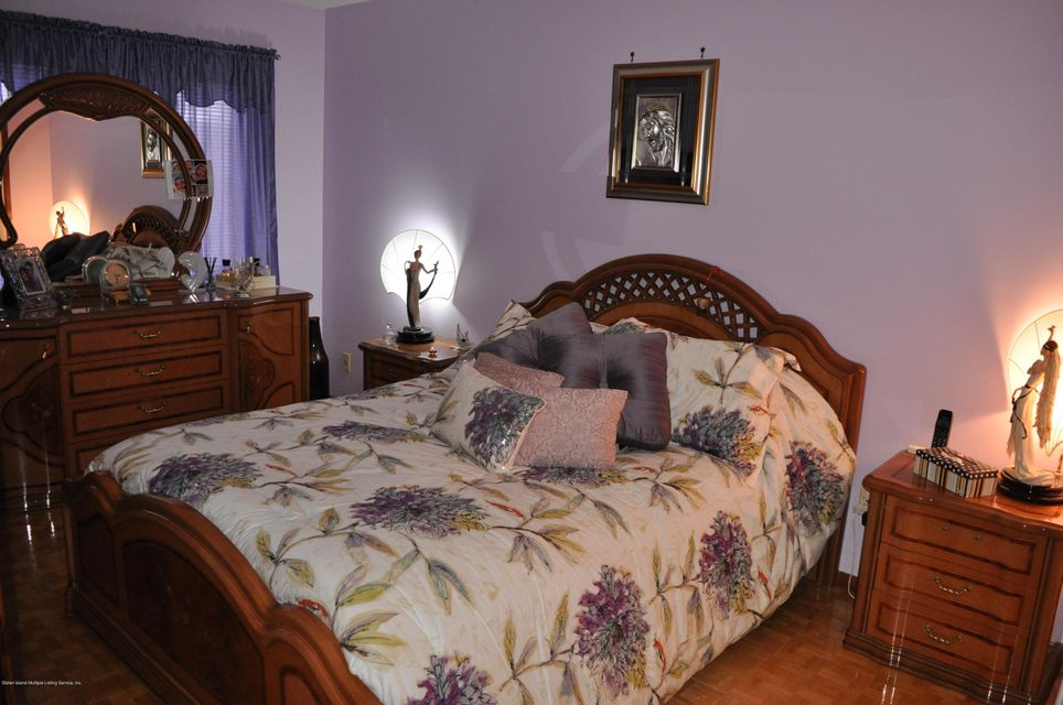 Single Family - Attached 98 Bower Court  Staten Island, NY 10309, MLS-1117801-7