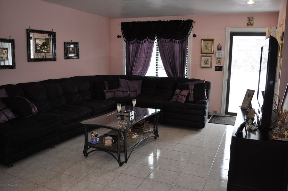 Single Family - Attached 98 Bower Court  Staten Island, NY 10309, MLS-1117801-3