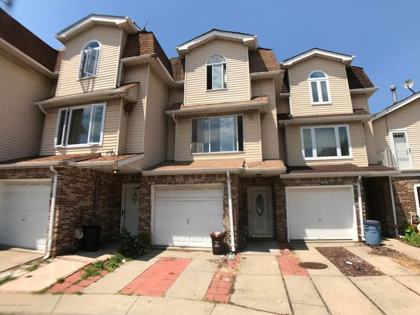 Single Family - Attached in Westerleigh - 64 Zachary Court  Staten Island, NY 10310