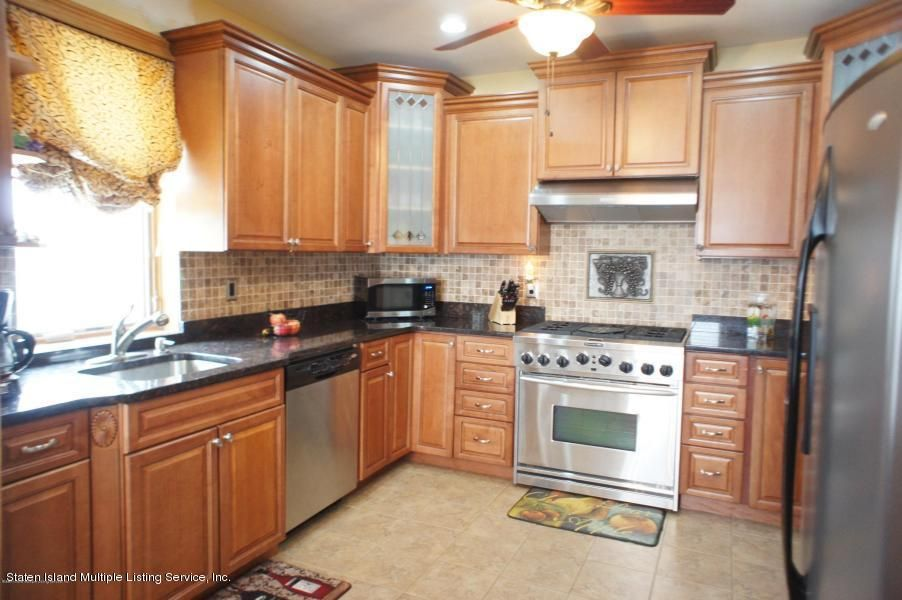 Single Family - Detached 20 Linden Street  Staten Island, NY 10310, MLS-1117870-13
