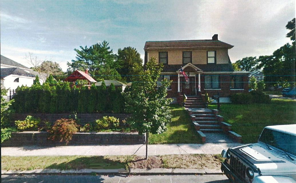 Single Family - Detached in Randall Manor - 20 Linden Street  Staten Island, NY 10310