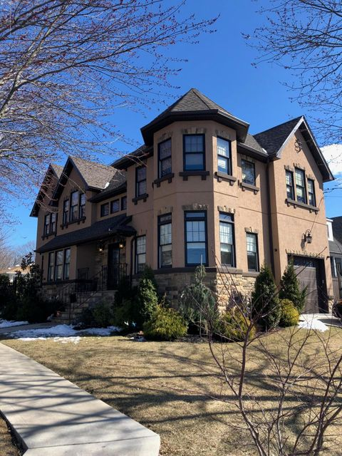 Two Family - Detached in Westerleigh - 88 Auburn Avenue  Staten Island, NY 10314