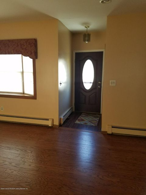 Additional photo for property listing at 27 Raymond Place  Staten Island, New York 10310 United States