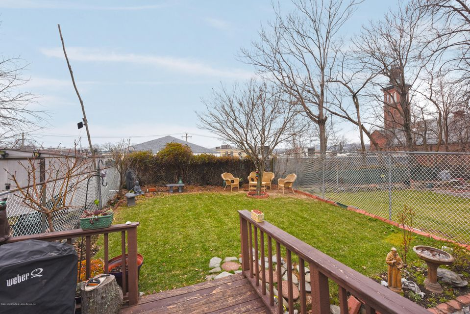 Two Family - Detached 32 Wiman Place  Staten Island, NY 10305, MLS-1117872-17