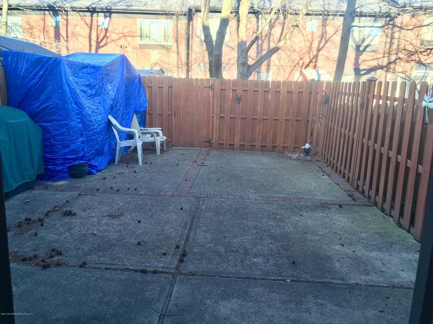 Single Family - Attached 98 Bower Court  Staten Island, NY 10309, MLS-1117801-10