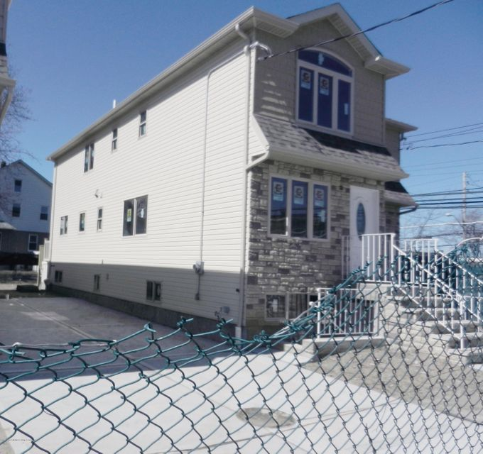 Single Family - Semi-Attached 14 Summerfield Place  Staten Island, NY 10303, MLS-1118065-8