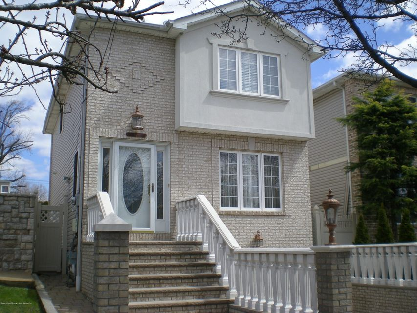 Single Family - Detached in Tottenville - 615 Yetman Avenue  Staten Island, NY 10307