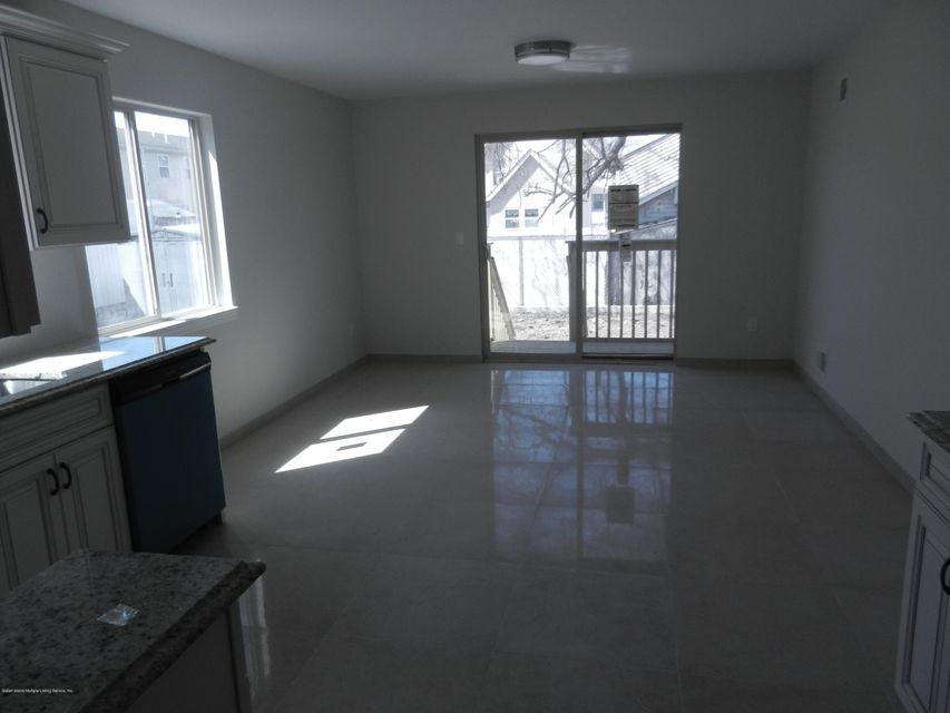 Single Family - Semi-Attached 14 Summerfield Place  Staten Island, NY 10303, MLS-1118065-4