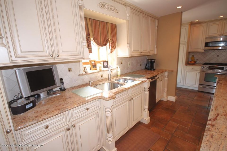 Two Family - Detached 482 Vineland Avenue  Staten Island, NY 10312, MLS-1118178-9