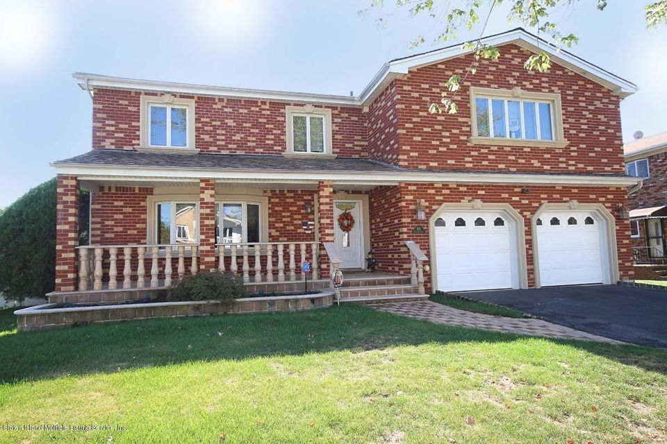 Two Family - Detached in Huguenot - 482 Vineland Avenue  Staten Island, NY 10312