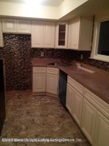 Additional photo for property listing at 3295 Victory Boulevard  Staten Island, New York 10314 United States