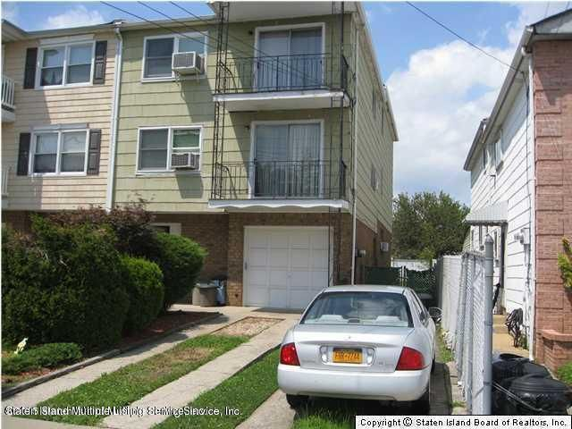 Single Family Home for Rent at 3295 Victory Boulevard Staten Island, New York 10314 United States