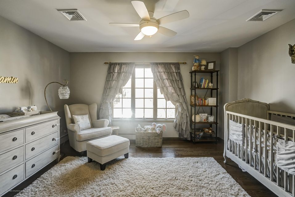 Single Family - Detached 15 Charles Court  Staten Island, NY 10306, MLS-1118222-31