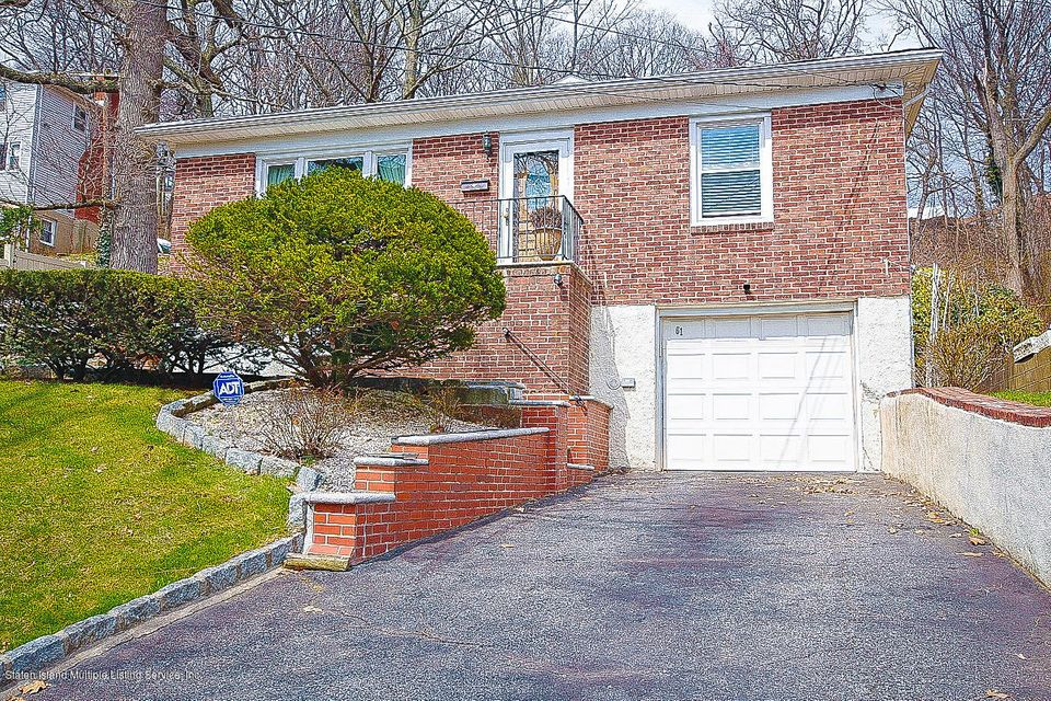 Single Family - Detached in Grymes Hill - 61 Longview Road  Staten Island, NY 10304
