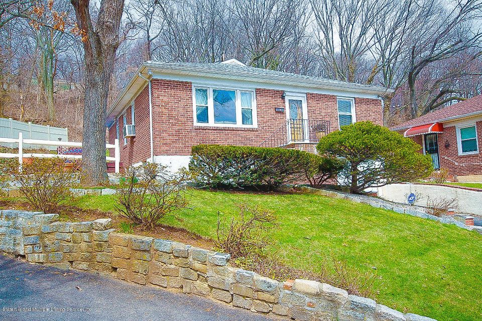 Single Family - Detached 61 Longview Road  Staten Island, NY 10304, MLS-1118296-2
