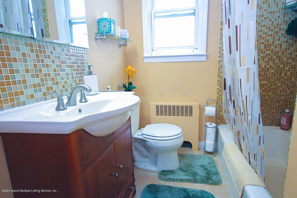 Single Family - Detached 61 Longview Road  Staten Island, NY 10304, MLS-1118296-11