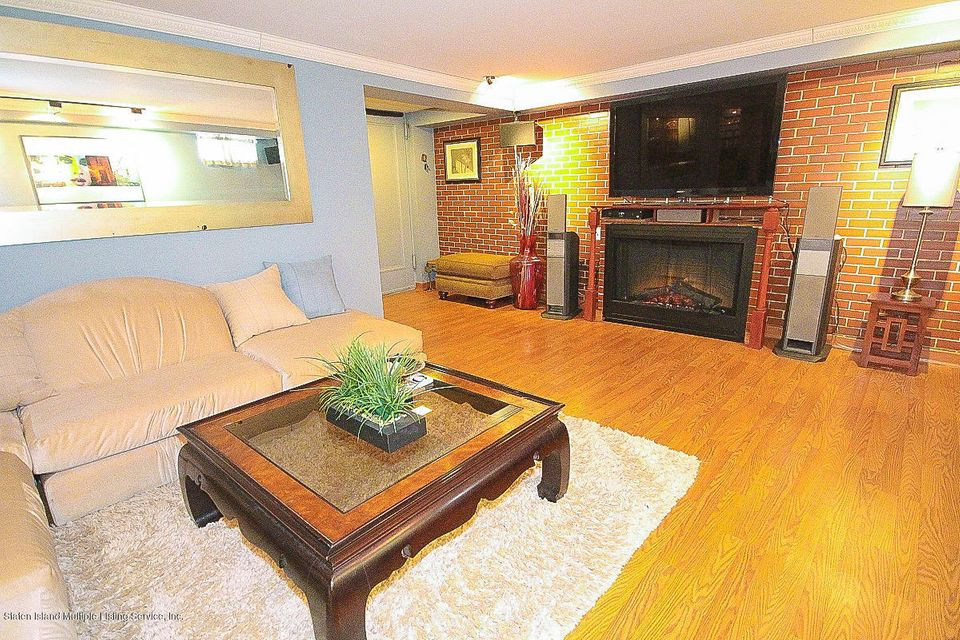 Single Family - Detached 61 Longview Road  Staten Island, NY 10304, MLS-1118296-12