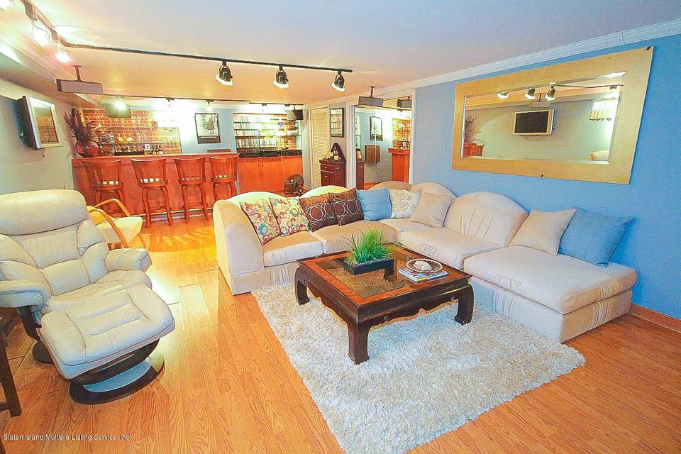 Single Family - Detached 61 Longview Road  Staten Island, NY 10304, MLS-1118296-13
