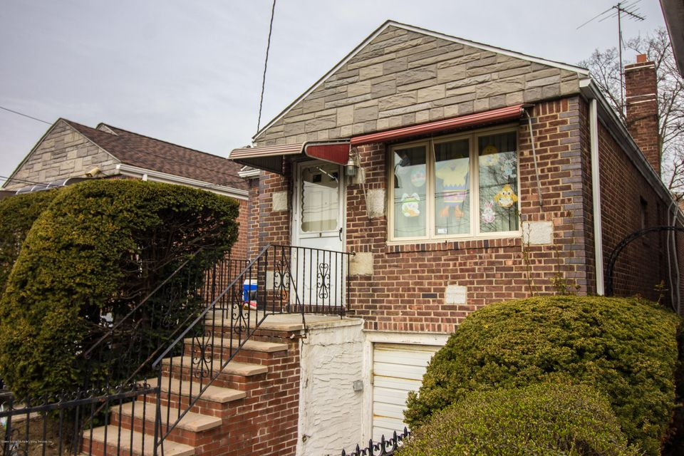 Single Family - Detached in Flatlands - 19 Alton Place  Brooklyn, NY 11210