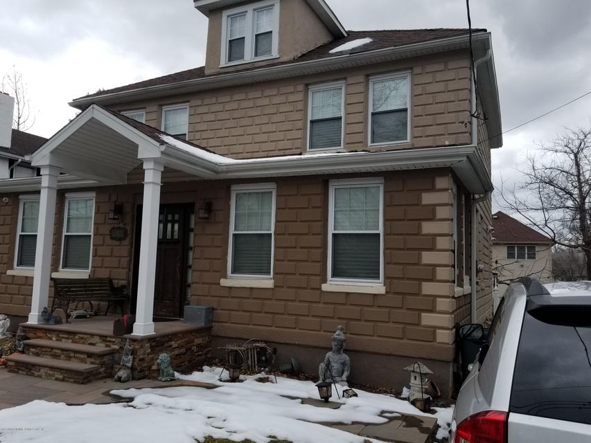 Single Family - Detached in Oakwood - New Dorp Heights - 18 Biship Street  Staten Island, NY 10306