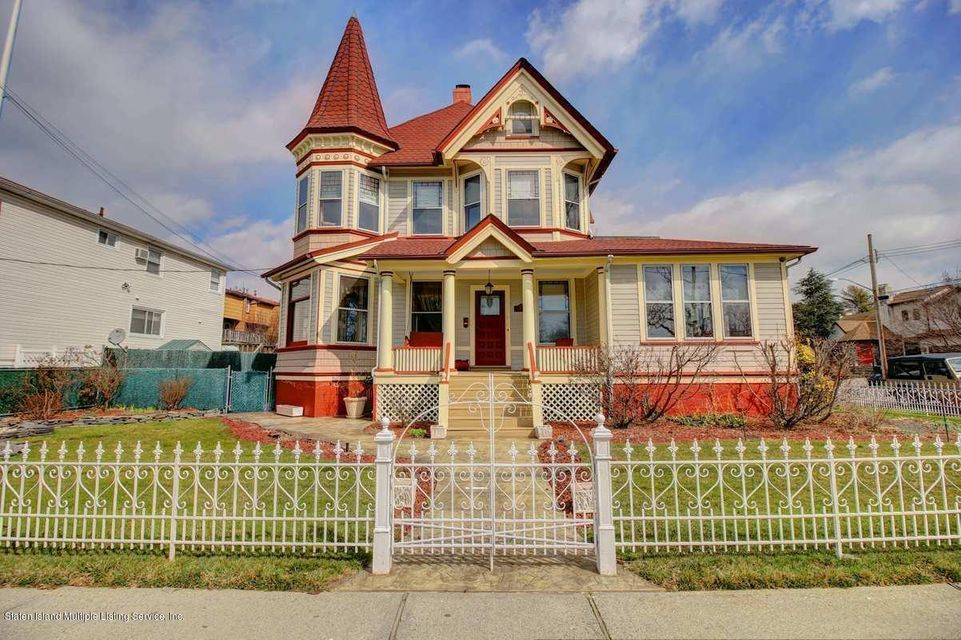 Single Family - Detached in Oakwood - 309 Guyon Avenue  Staten Island, NY 10306