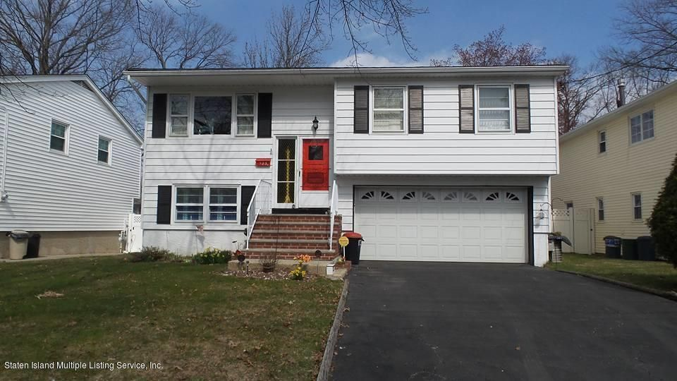 Single Family - Detached 123 Abingdon Avenue  Staten Island, NY 10308, MLS-1118341-2
