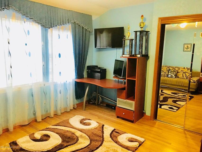 Single Family - Semi-Attached 5 Neutral Avenue  Staten Island, NY 10306, MLS-1118382-20