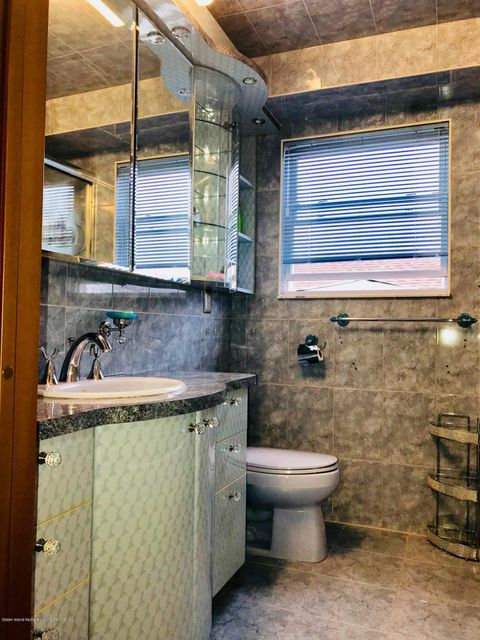 Single Family - Semi-Attached 5 Neutral Avenue  Staten Island, NY 10306, MLS-1118382-23
