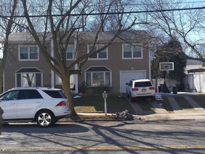 Two Family - Detached in Eltingville - 248 Wainwright Avenue  Staten Island, NY 10312
