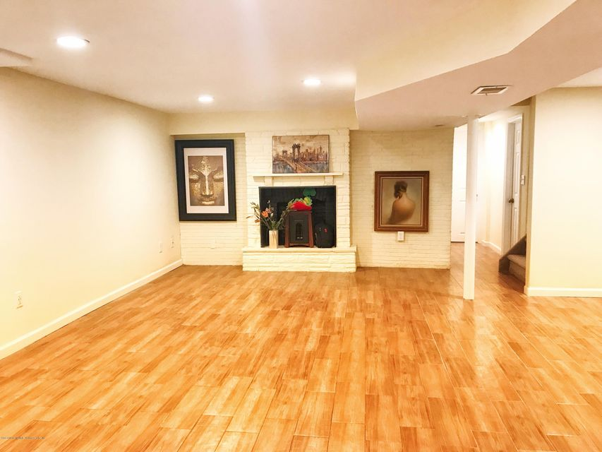 Single Family - Detached 53 Natick Street  Staten Island, NY 10306, MLS-1118414-16