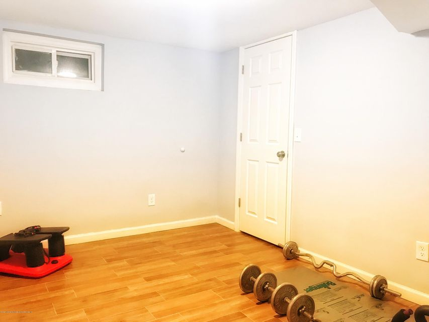 Single Family - Detached 53 Natick Street  Staten Island, NY 10306, MLS-1118414-17