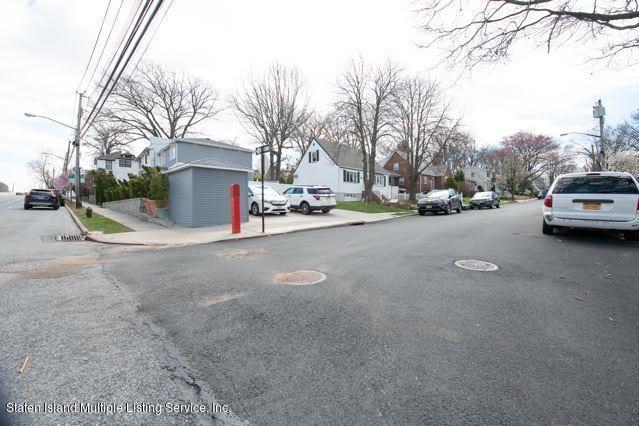 Single Family - Attached 162 Gannon Avenue  Staten Island, NY 10314, MLS-1118527-16