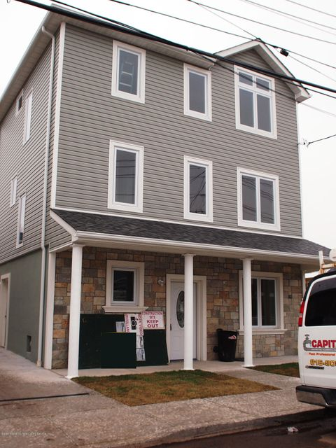 Single Family - Detached in New Dorp - 22 Milbank Road  Staten Island, NY 10306
