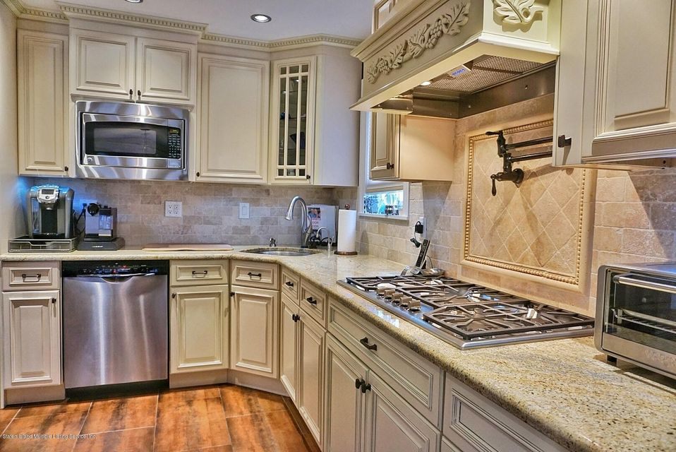 Two Family - Detached 39 Carpenter Avenue  Staten Island, NY 10314, MLS-1118545-18