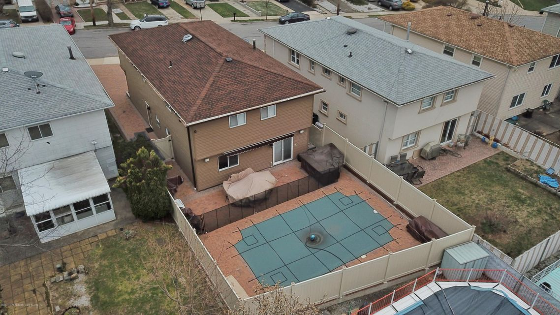 Two Family - Detached 39 Carpenter Avenue  Staten Island, NY 10314, MLS-1118545-52