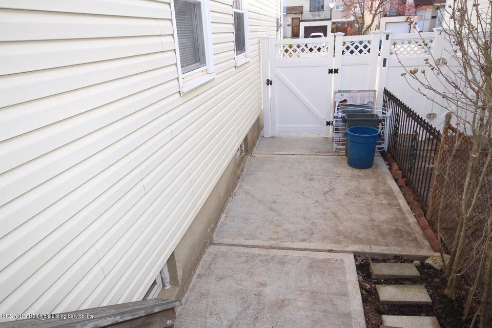 Single Family - Semi-Attached 344 Fairbanks Avenue  Staten Island, NY 10306, MLS-1118580-15